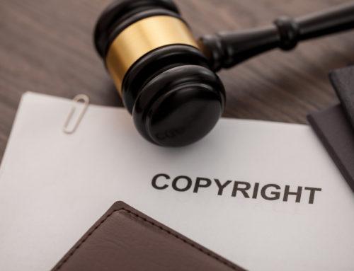 Angebrachter Copyright-Vermerk – Vermutungswirkung nach § 10 Abs. 3 UrhG