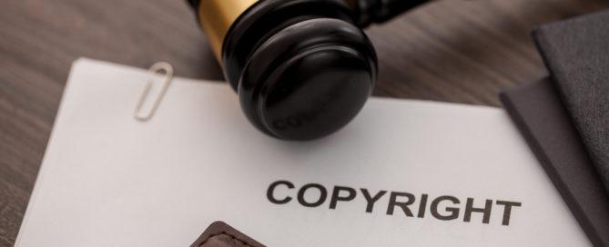 Angebrachter Copyright-Vermerk - Vermutungswirkung nach § 10 Abs. 3 UrhG